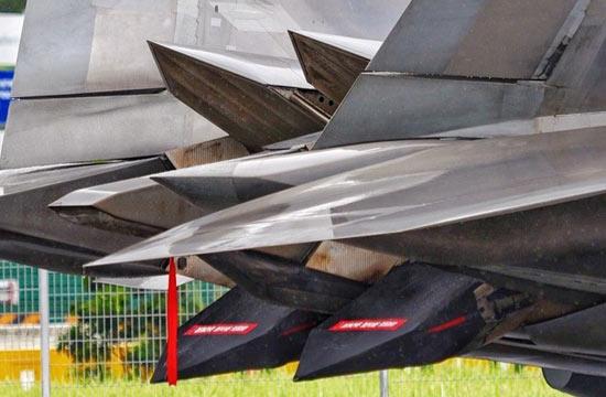 感受f-22矢量发动机迷人风采