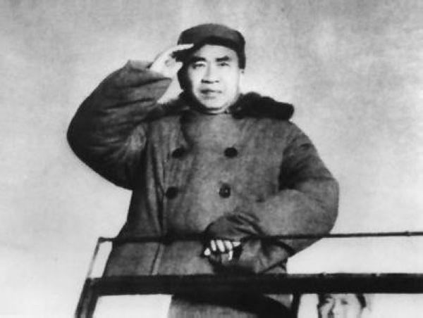 红军龙源口山地攻坚战:朱德手提机关枪亲上阵