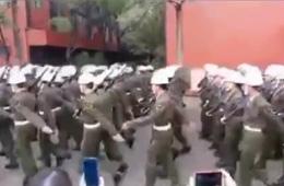 台湾宪兵结训阅兵步伐凌乱同手同脚