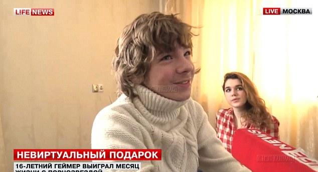俄少年比赛获奖 奖励与色情女星同居一月
