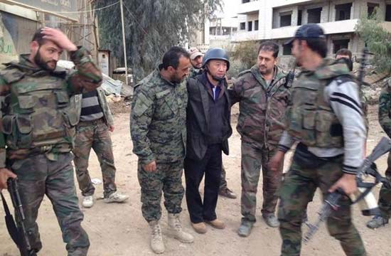 中国记者在叙利亚被炮弹击伤