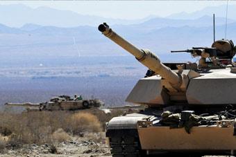 澳军装甲部队千里迢迢赴美训练