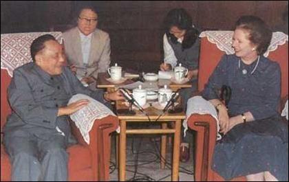 """香港""""驻军权""""之争:邓小平称解放军必须进驻"""