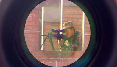 武警狙击手眼中的世界是这样的(组图)