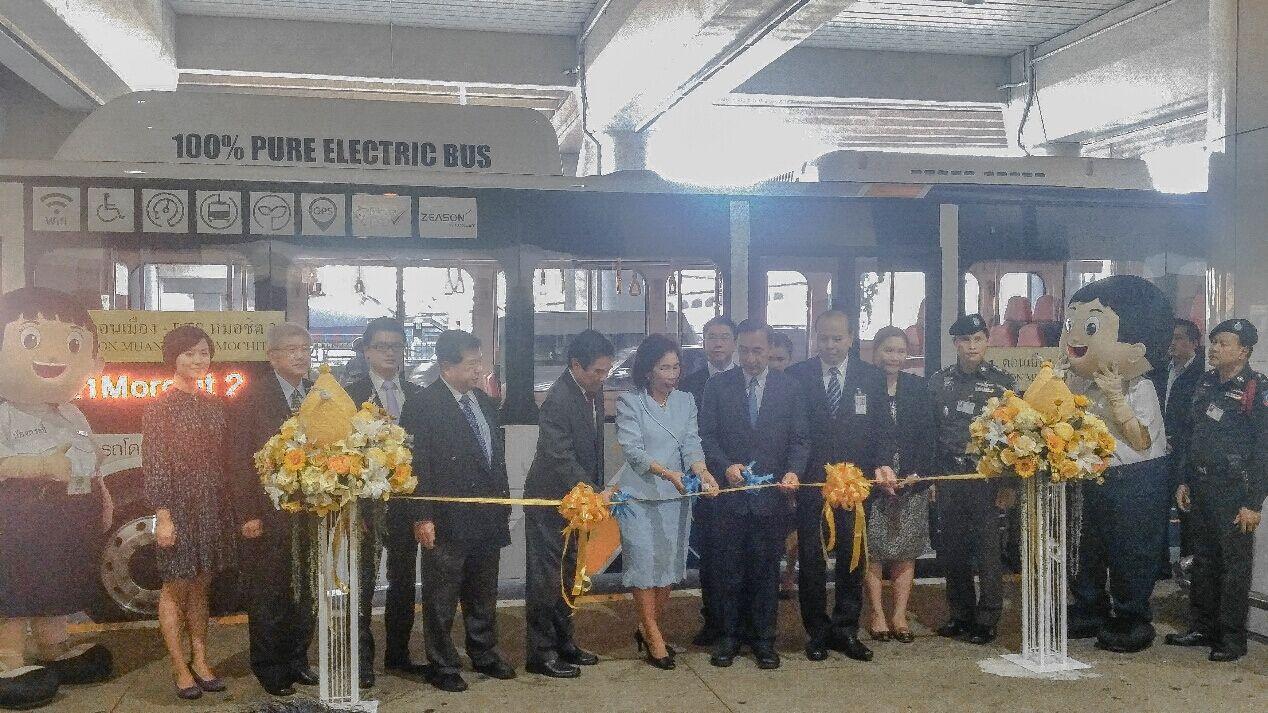 旅游之都绿色升级 比亚迪电动大巴驶入曼谷机场