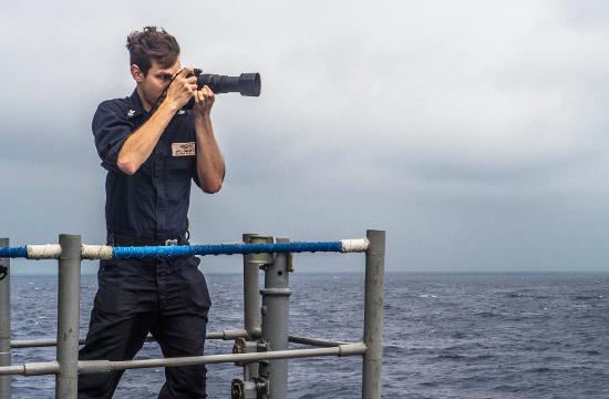 美军航母编队在南海都干了啥?