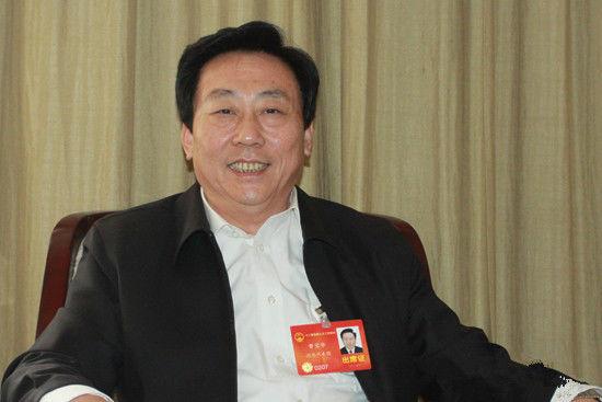 代表:劳动合同法部分条款偏袒劳动者 建议修改