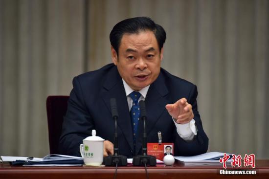 """王儒林答反腐""""三连问"""":腐败是破坏经济毒瘤"""
