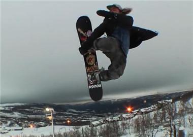 开车房车去滑雪 开到哪滑到哪