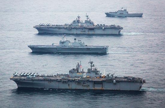 美韩联军19艘主力战舰秀武力