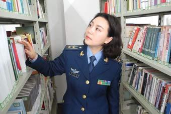 军校女教员最美不仅仅是颜值