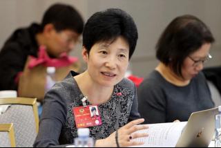 政协委员:二孩时代应提倡女性居家工作