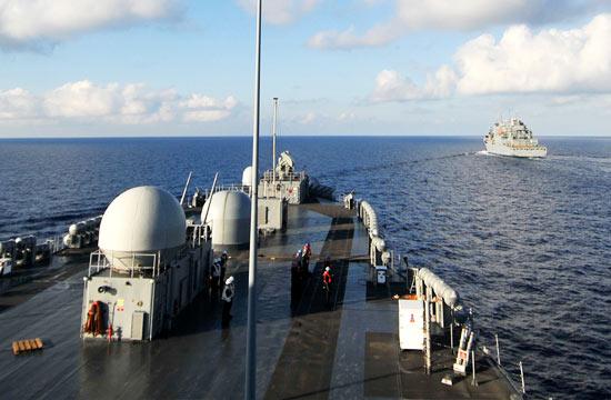 美国多艘军舰仍在南海海域徘徊