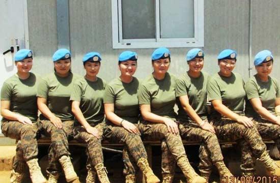 """蒙古""""蓝盔""""女兵不一样的美"""
