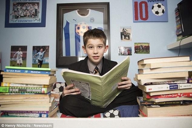 英11岁男孩智商超爱因斯坦 却想当足球运动员