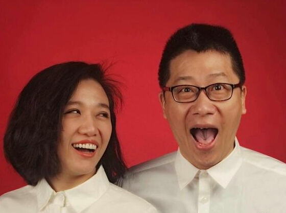 歌手胡杨林与音乐人江建民领证 因《香水有毒》结缘-内地明星