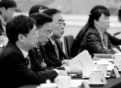 院士代表:大量国人去日本购药 国内药企应反思