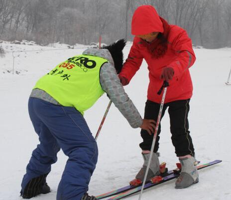 黑龙江滑雪指导员挑战赛在亚布力开赛