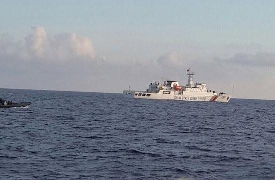 我海警船施援渔船未入印尼领海