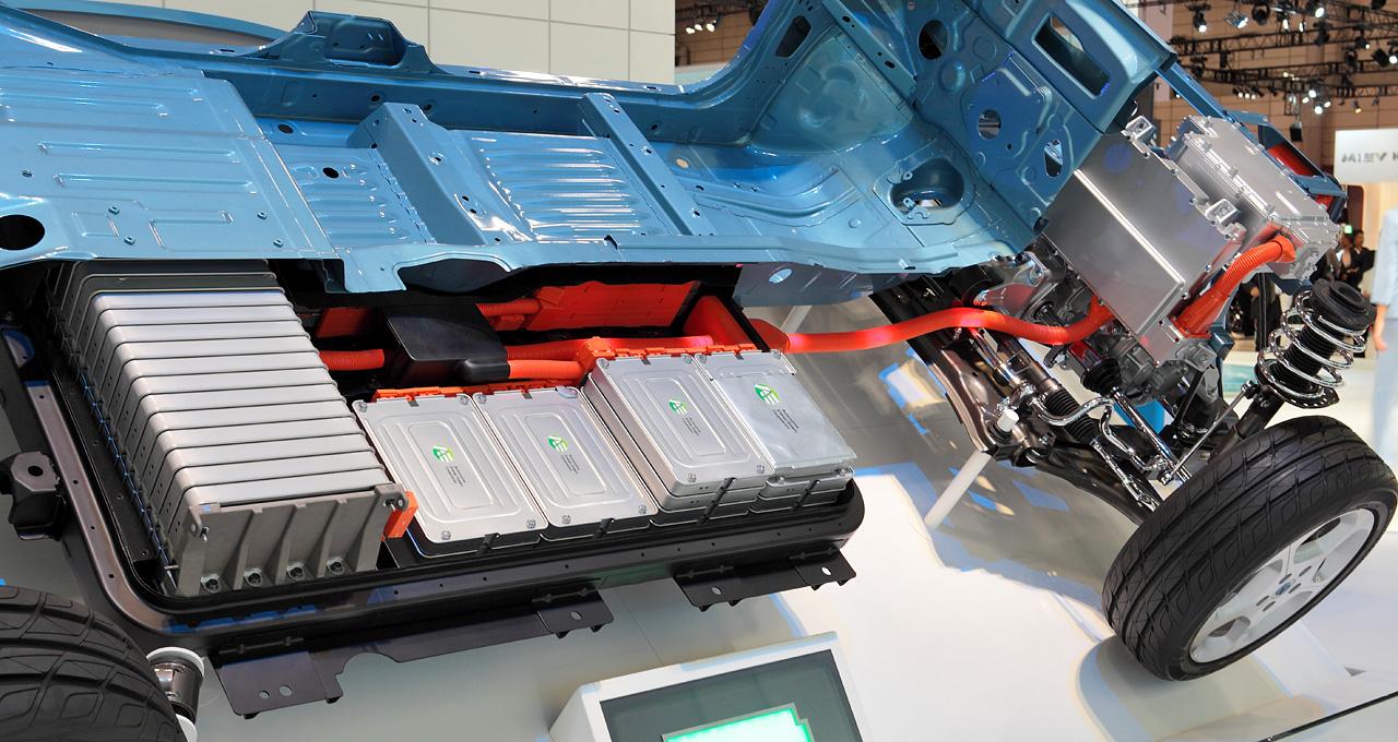 日本大学发布无电池驱动电动车 感应式充电