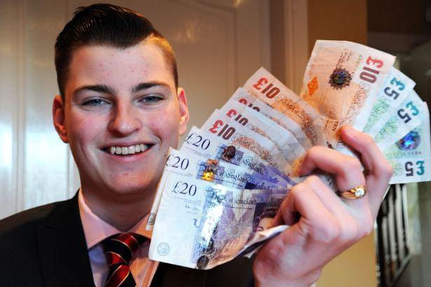 中学生卖零食挣1万英镑 立志当企业家开始存钱买车