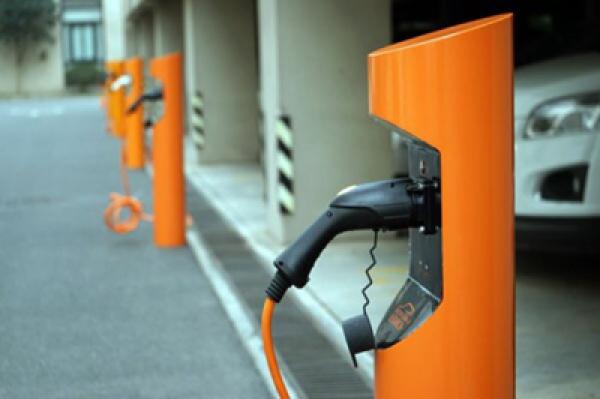 17省市密集出台充电设施建设规划 各有差异