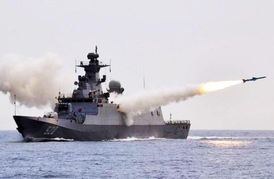 中国产C28A护卫舰首射反舰导弹