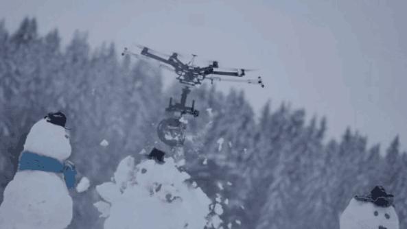 """芬兰青年制作""""电锯杀手无人机""""引发网民担忧"""