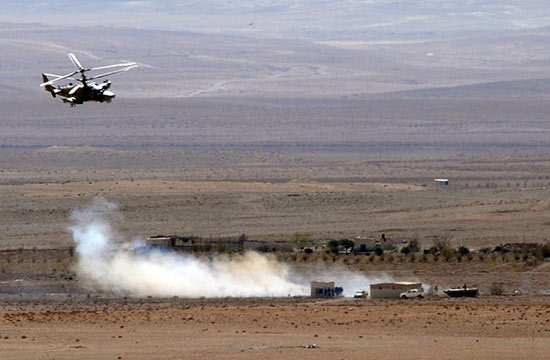 俄军卡52在叙利亚猎杀恐怖分子