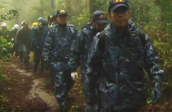 日本自卫队数百人搜寻失联飞机
