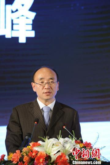 吉利冯擎峰:车联网时代传统车企机遇挑战并重