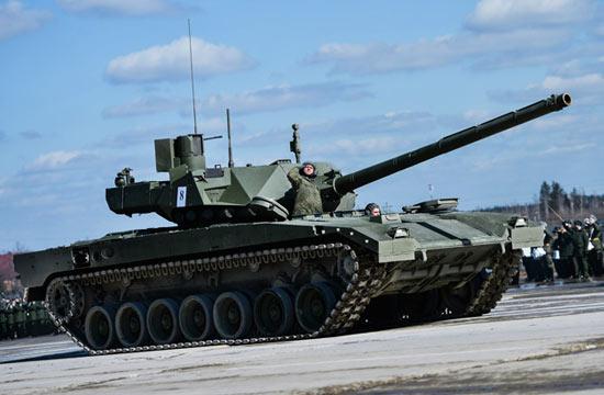 俄举行阅兵彩排阿玛塔领衔亮相