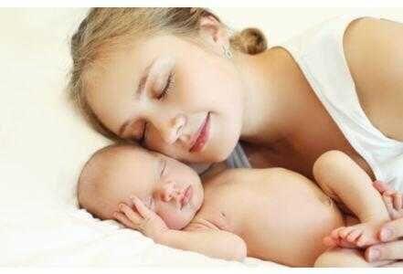 新手妈妈难当 研究称其平均睡眠时间少于3小时