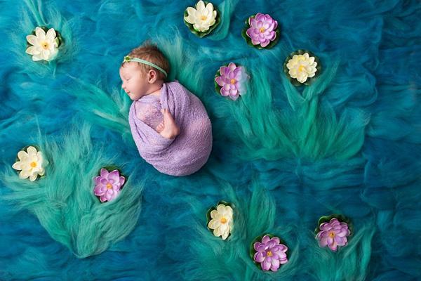 萌翻!美摄影师将熟睡婴儿完美融入传世名画