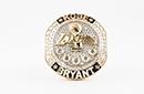 湖人赠送科比夫妇退役戒指 5颗巨钻!感谢KB奉献