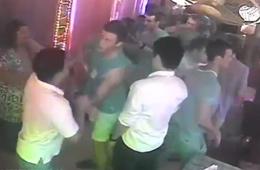 美军大兵与菲警察酒吧打群架画面曝光