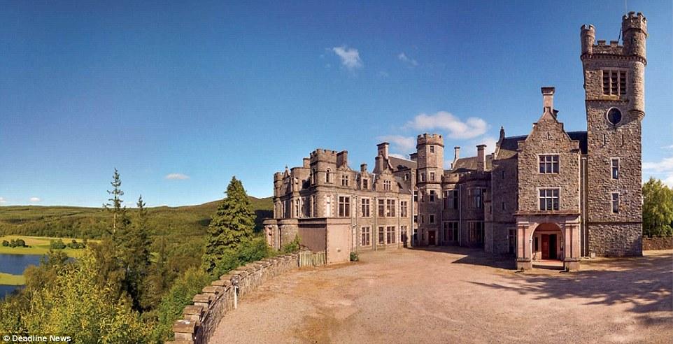 英华美城堡因年久失修以90万低价出售 赠送近百亩土地及湖