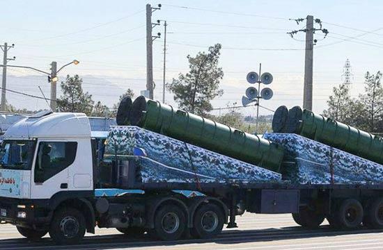伊朗首次高调展示俄制S300导弹