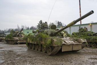 俄罗斯大军演习出动钢铁洪流