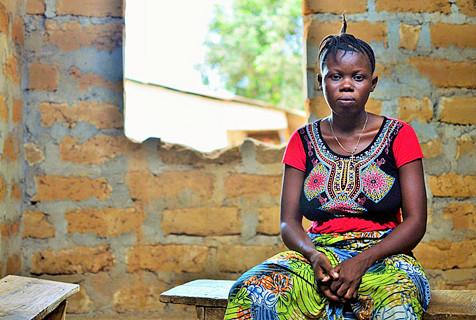 塞拉利昂未成年少女出卖身体赚取学费