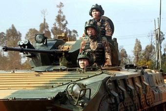 能开步兵战车的不光只有男兵