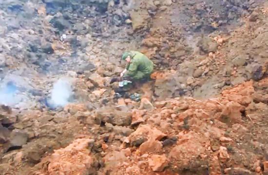 俄新型巡航导弹在地上炸出大坑