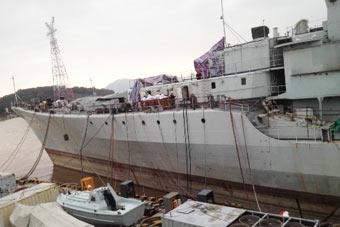 近距离看现代级舰改装现场