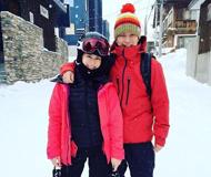 看明星滑雪 胡杏儿和爱侣滑雪