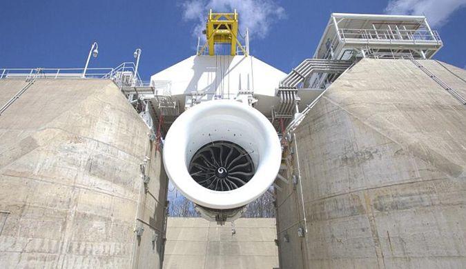 波音测试最大飞机引擎 产生45000多公斤推力