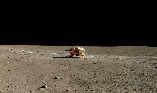 嫦娥三号拍到迄今最清晰月面照片 展现真实月球