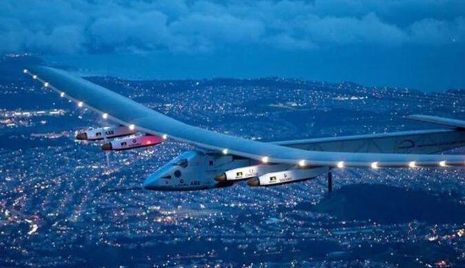 """""""阳光动力号""""太阳能飞机成功完成太平洋穿越之旅"""