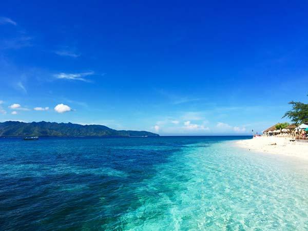 """巴厘岛往东300公里 探寻多彩的""""世外桃源"""""""