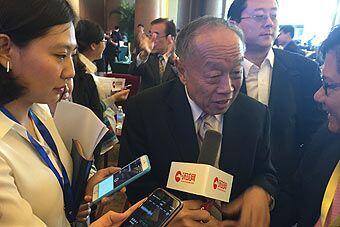 环球网记者采访李肇星等中日韩论坛嘉宾