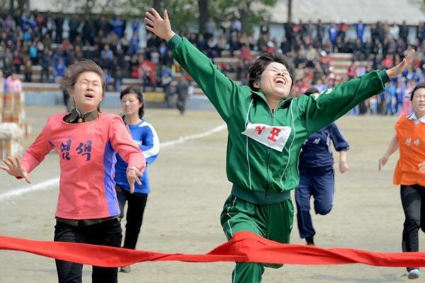 """朝鲜庆祝""""五一""""国际劳动节"""
